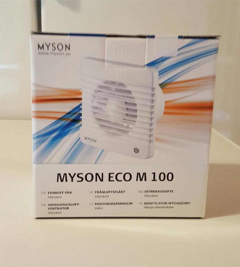 12 stk baderomsvifte- Myson M100 - Sylling - 12 stk baderomsvifte Myson ECO M 100, ny i kartong, monteringsanvisning og skruer følger med. Våtromsvifte for av/på bryter, kan kobles på belysning. For montasje på vegg. Nypris på denne modellen var ca 600,- kr. Yttermål: b x h x d 160  - Sylling