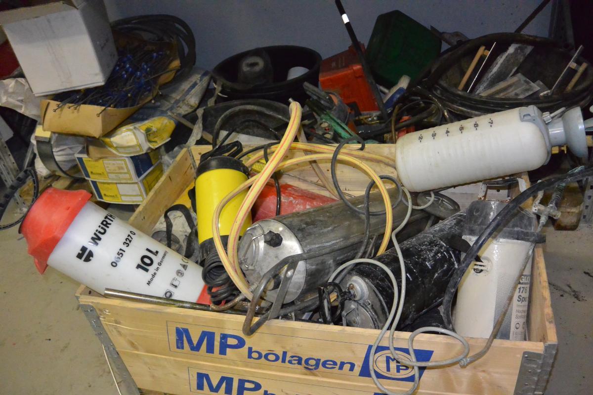 H50Trykksprøyter, betongutstyr Elektrisk drivstoffpumpe - Hagan - Mange forskjellig trykksprøyter Betongutstyr, blandekar, pussespader Elektrisk drivstoffpumpe til 200L fat etc. + mye mer - Hagan
