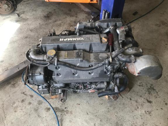 4 stk Yanmar motorer - Rygge - 4 stk yanmar motorer med diverse selges. Motor 1: 4LH HTE komplett motor.Denne skal være i orden men må montere inn rådelager. Motor 2: 4JH3 HTE. Komplett motor. Denne må overhales. Motor 3. Usikker på model, men dette er å regne som en dele - Rygge