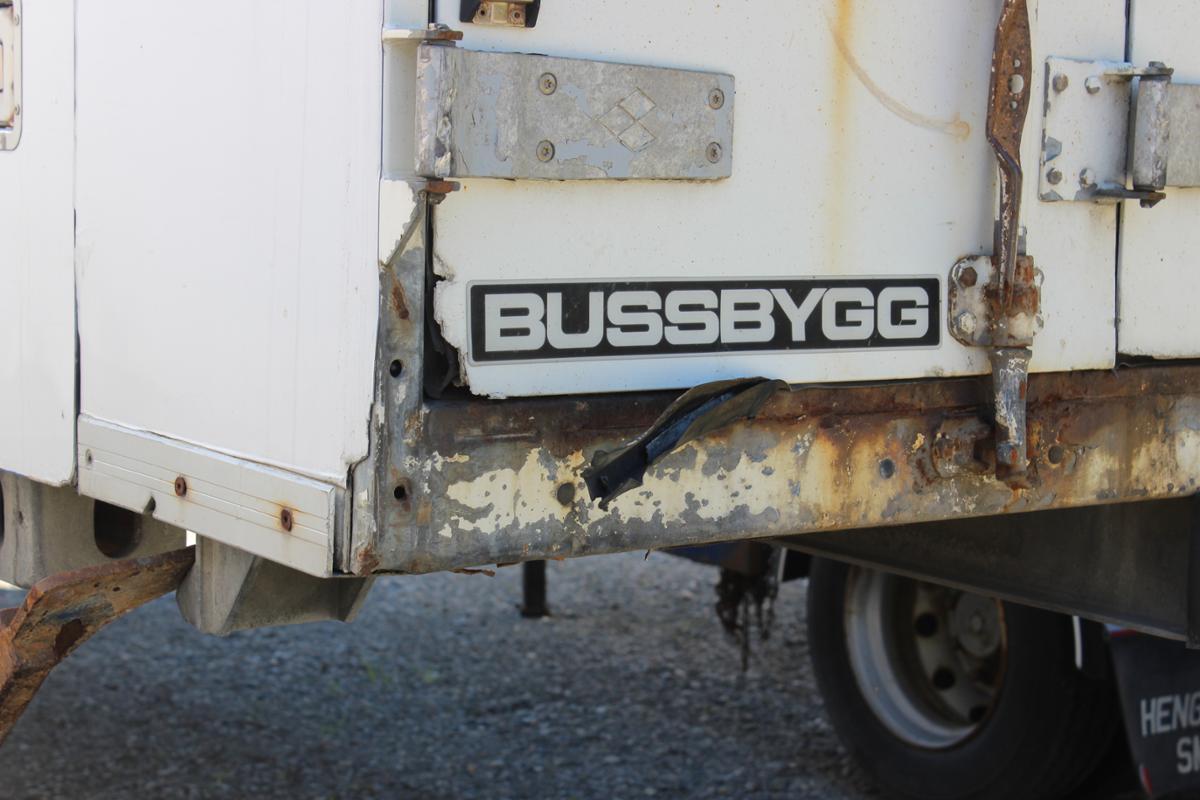 2000 Bussbygg Containerflak - Ringebu - 2000 Bussbygg containerflak Thermo King aggregat, ukjent tilstand Påkost må påberegnes. Selges som det står. - Ringebu