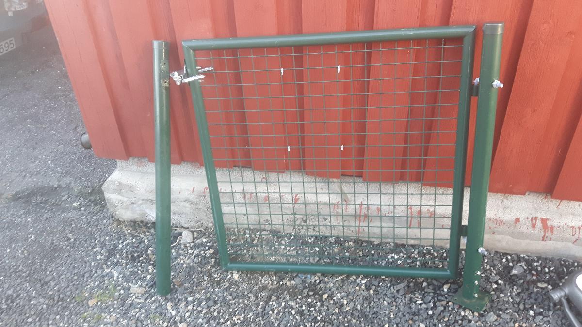 Hageport Enkel - Rygge - 10 stk nye enkle hageporter Grønn. Bredde 100cm. Endestolper følger med. Helt nye og ubrukte. Ring selger for mer info 09:00-18:00 - Rygge